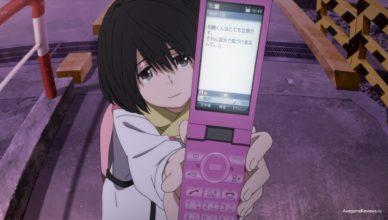 Нарусэ Джун с телефоном