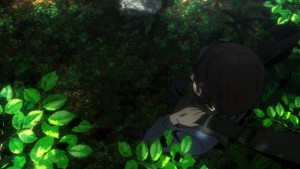 Сакамото, висящий в джунглях на парашюте